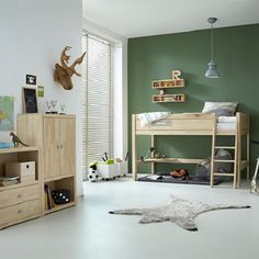 Did not dream as a child of a loft bed and even more with a slide. Ikea Toddler Room, Toddler Room Decor, Green Boys Room, Bedroom Green, Kids Bedroom, Diy Bedroom Decor, Home Decor, Toddler Room Organization, Creative Kids Rooms