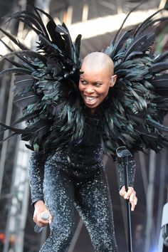 Skunk Anansie Skunk Anansie, Women In Music, Daft Punk, Design Crafts, Strong Women, Music Artists, Cool Art, Actors, Rock Stars