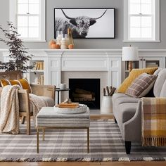 3 Accomplished Simple Ideas: Living Room Remodel On A Budget Apartment Therapy livingroom remodel wood trim.Living Room Remodel With Fireplace Cabinets livingroom remodel house.Living Room Remodel Ideas With Fireplace. Living Room Decor Traditional, Traditional Family Rooms, Traditional Decor, Living Room Remodel, Fall Home Decor, Fashion Room, Living Room Inspiration, Living Room Furniture, Living Rooms