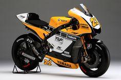2015年10月9〜11日、ツインリンクもてぎ(栃木県)で開催される2015 FIM MotoGP世界選手権シリーズ 第15戦 MOTUL日本グランプリに、中須賀克行選手がヤマハ創立60周年を記念した、...