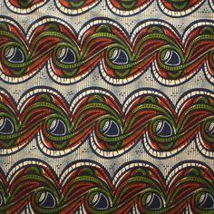 Eine deutliche afrikanisch Stoff aus Nigeria, Westafrika . Gedruckt auf 100% Baumwolle  Um eine Vorstellung von der Größenordnung der Muster erhalten, schauen Sie sich das letzte Bild mit dem...