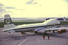 Douglas Dc3, Cargo Aircraft, Old Planes, World Pictures, Airplanes, Air Force, Ireland, Old Things, Airports