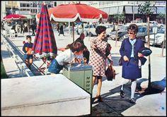 Πλατεία Κοραή. Old Photos, Vintage Photos, Athens Greece, Old Pictures, Vintage Photography