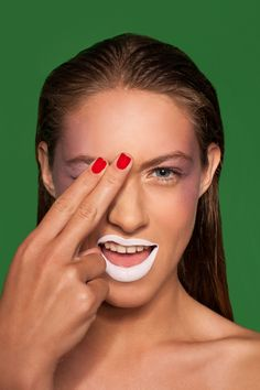 foto. juan queirolo maquillaje y pelo. karen catalan modelo. sofia (elite) estudio. blackout visual works