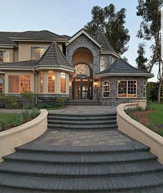dream mansion Best Dream Home Design Ideas. Have you ever imagined about your dream home design ideas? I am sure that everyone must have their own ideas of Style At Home, Dream Home Design, My Dream Home, Luxury Home Designs, Best Home Design, Dream Mansion, Mansion Houses, Mansion Rooms, Luxury Homes Dream Houses