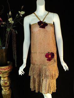Années 1920, Flapper Dress, soie & dentelle avec jupe.