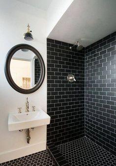 #inspiracja #pomysł #idea #bathroom #bath #łazienka #biel #czerń #black #white #black&white #klasyka #classic #beautiful #trendy #moda #modnie #pięknie