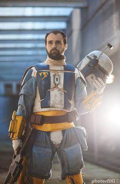 Cosplay: Star Wars Mandalorian Mercs  Cosplayers: Needles and Nonsense