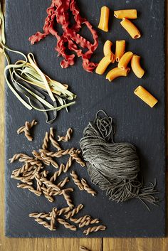 I'd like some exotic looking pasta. Pasta Bar, Pasta Shapes, Fresh Pasta, Italian Recipes, Spinach, Exotic, Herbs, Colour, Ink