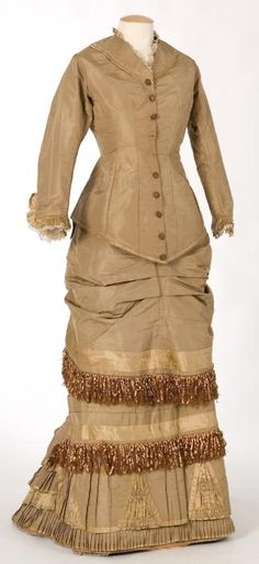 Dress ca. 1880-85 From the CENTRE DE DOCUMENTACIÓ I MUSEU TÈXTIL DE TERRASSA Fripperies and Fobs