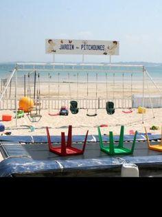 Des Clubs de plage sont présents en été sur la Grande pLage de St Cast ou sur la plage de Pen Guen