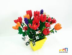 Learn all about types of flowers, from roses and lilies to spring and wedding flowers with stunning photos and planting information. Lego Flower, Sculpture Art, Sculptures, Lego Decorations, Pirate Cat, Lego Photography, Lego Instructions, Types Of Flowers, Lego Creations