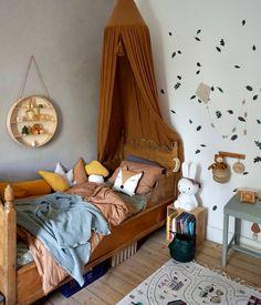 Die schönsten Instagram Kinderzimmer weltweit Modern Playroom, Playroom Design, Kids Room Design, Whimsical Bedroom, Woodland Nursery Decor, Creative Kids Rooms, Baby Boy Rooms, Black Decor, Kid Beds