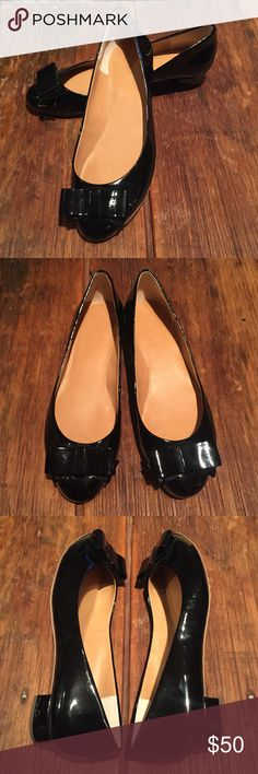 J Crew Harper Double Bow black patent ballet flats Lovely, next to new, J. Crew Harper Double Bow black patent ballet flats. These versatile flats look new inside and out, with only the slightest sign of one wear on the soles. Size 7. SOLD OUT ONLINE!! J. Crew Shoes Flats & Loafers