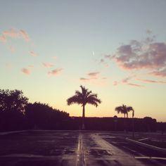 La calma.   Después de una tarde lluviosa, a esto defino como una agradable tarde.   Mérida, Yucatán