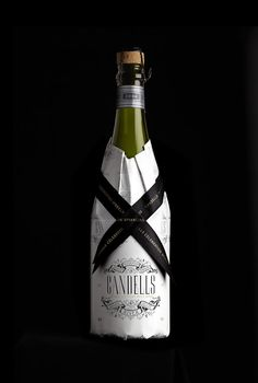 Inspiration Hut – Art and Design Blog » Gorgeous Patented Bottle Wine Sleeves by Stranger & Stranger (User Submission)