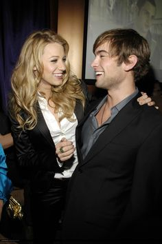 Blake Lively and Chace Crawford Blake Lively and Chace Crawford Gossip Girl Cast, Gossip Girl Serena, Gossip Girls, Kristen Bell, Blake Lively Family, Blair And Serena, Jenny Humphrey, Ariana Grande, Nate Archibald