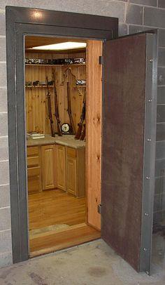 Gun safe room - How I will sell the husband on building a new house . Gun Vault, Rifles, Gun Safe Room, Vault Doors, Gun Rooms, Casas Containers, Hidden Rooms, Hidden Closet, Secret Rooms