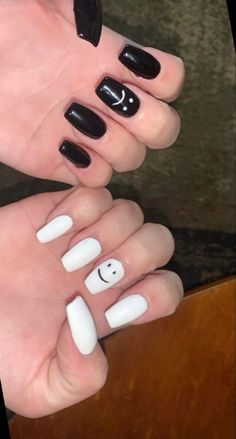 Acrylic Nails Coffin Short, Simple Acrylic Nails, Cute Acrylic Nail Designs, Summer Acrylic Nails, Best Acrylic Nails, Cute Simple Nail Designs, Cute Simple Nails, Edgy Nails, Grunge Nails