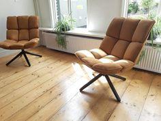 WOONLOODZ - Stoere fauteuil Daan in het cognac bij de klant thuis. Verkrijgbaar in 4 kleuren en €349,-. Klik op de foto voor meer info! Cozy Living Rooms, Home And Living, Chill Out Room, T Home, My Furniture, Occasional Chairs, New Room, Soft Furnishings, Home Renovation