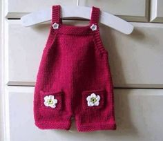 Most Fashionable Baby Overalls – Knitting And We Knit Baby Pants, Knit Baby Dress, Crochet Baby Clothes, Baby Vest, Baby Dungarees Pattern, Baby Overalls, Baby Knitting Patterns, Knitting For Kids, Crochet Baby Dress Pattern