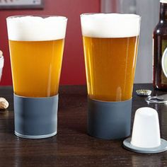 Keep your drinks frosty cold without getting watered down by ice with the Self Chilling Beer Glass