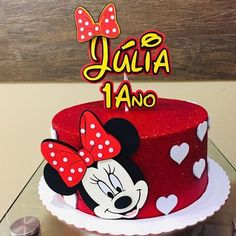 95 cute photos + step by step for a funny festa Minnie Mouse Cake Design, Torta Minnie Mouse, Minnie Mouse Cake Topper, Minnie Mouse Birthday Cakes, Minnie Mouse Party, Bolo Fake Minnie, Mickey And Minnie Cake, Bolo Mickey, 1st Birthday Cake For Girls