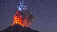 Lightning Meets Lava in These Incredible Images by Nature Photographer Hernando Rivera | Shutterbug