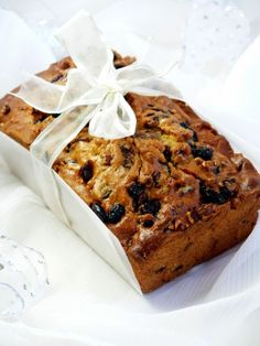 The fruit and spice laden bread is the quick way to satisfy an insatiable craving for a traditional fruit cake. Egg Free Recipes, Quick Bread Recipes, Apple Recipes, Cake Recipes, Dessert Recipes, Xmas Food, Christmas Desserts, Christmas Baking, Fruit Bread