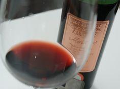 Este vinho, de 1991, foi produzido ainda sob regime estatal, quando a Bulgária estava iniciando a transição para o capitalismo. E durou 22 anos com esplendor. A vinícola ainda possui exemplares deste ano para venda.