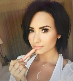 demi lovato short hair 2015 - GORGEOUS!