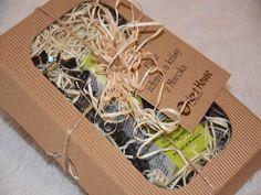 Opunciový olej na očné vrásky priamo z Maroka. Opunciový olej v krásnom darčekovom balení priamo pre Vás od firmy Orient House s náhrdelníkom. Coconut, Container, Gift Wrapping, Gifts, Beauty, House, Gift Wrapping Paper, Presents, Home