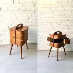 Vintage Nähkasten Teak Nähkasten Beistelltisch Mid Century Teak Furniture, Vintage Sewing, Denmark, Storage Spaces, Mid Century, Basket, Shelves, Cabinet, Live