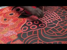 Aboriginal Artist Nellie Marks Nakamarra 1017 patterns and shapes Aboriginal Dot Painting, Aboriginal Artists, Aboriginal Art Kids, Indigenous Australian Art, Indigenous Art, Classroom Art Projects, Art Classroom, Kunst Der Aborigines, Classe D'art