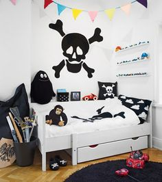 kids room, for a little pirate ! For Xmans side of the room