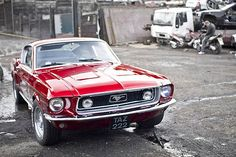 The Mustang was first shown on 17th of April 1964 on the World's Fair in New York City. It was possible to design your own car by ordering multiple options. The car was available as a convertible and as an coupe and started at the cost of approximately $ 2.300.
