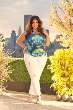 Destructed White Denim Ashley Stewart - June 2015 #AshleyStewart Chubby Fashion, Curvy Girl Fashion, Plus Size Fashion, Full Figure Fashion, Ashley Stewart, Plus Size Summer, Bbg, White Denim, Full Figured