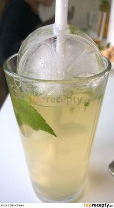 Osvěžující ledový zelený čaj s broskví a mátou Thing 1, Icing, Beverages, Chocolate, Smoothie, Desserts, Food, Author, Smoothies