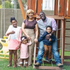 A great shot of Erica Campbell's family!