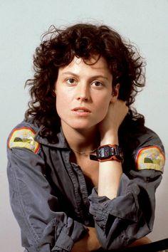 "Titles: ""Alien"" 1979 Name: Sigourney Weaver Character: Ellen Ripley. Alien 1979, Alien Film, Alien Art, Les Aliens, Aliens Movie, Humour Geek, Ellen Ripley, Blockbuster Film, Pet Sematary"