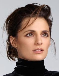 Stana photographed by Nino Muñoz 2017 - in ELLE España (Oct. 2017)