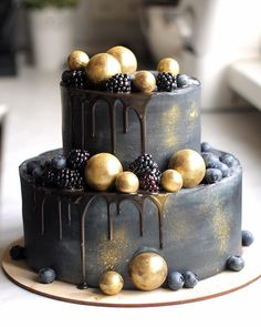 Bolo Cake, Cake Makers, Cakes For Men, Drip Cakes, Piece Of Cakes, Pretty Cakes, Cream Recipes, Tiered Cakes, Macaroons