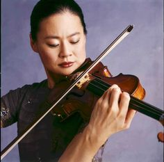 Midori Gotō (五嶋 みどり) (1971) is a Japanese American violinist. She made her debut…