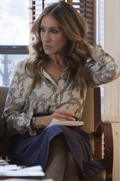 "This month marks the arrival of Sarah Jessica Parker's new HBO show, Divorce. Needless to say, using ""HBO"" and ""Sarah Jessica Parker"" in Divorce Hbo, Carrie Bradshaw Style, Nice Dresses, Awesome Dresses, Mommy Style, Sarah Jessica Parker, Petite Women, Classic Outfits, Style Icons"