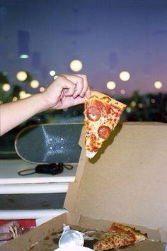 Pizza is good yeah pizza is great. Slice me up a piece and put it on my plate.