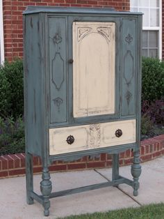 cece caldwell furniture makeovers   Chrissies Collections
