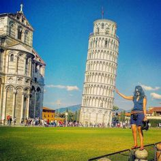 Slightly underwhelmed by how tiny the #LeaningTowerofPisa is in reality. Still pretty though. #FollowMe on @Instagram for more: https://www.instagram.com/tan_taz/  #Food #Travel #FoodBlogger #TravelBlogger #TravelBlog #Blogger #Italy #Pisa #Rome #Europe #LeaningTower
