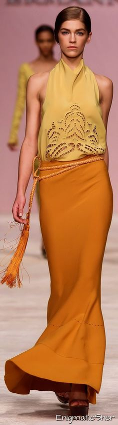 Just drooling over this color combo. Don't know where I would wear it since we don't own a yacht, but a girl can dream!