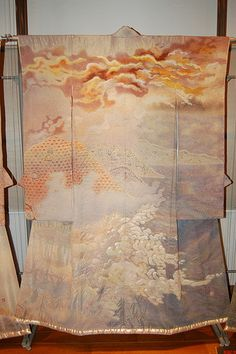 Japanese Kimono Art Exhibit by Kimono Exhibit, via Flickr TheLandscapes of Itchiku Kubota