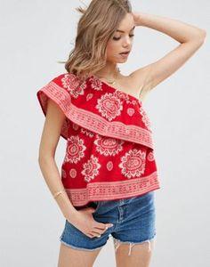 ASOS – Oberteil aus Baumwolle mit One-Shoulder-Träger und Bandanaprint